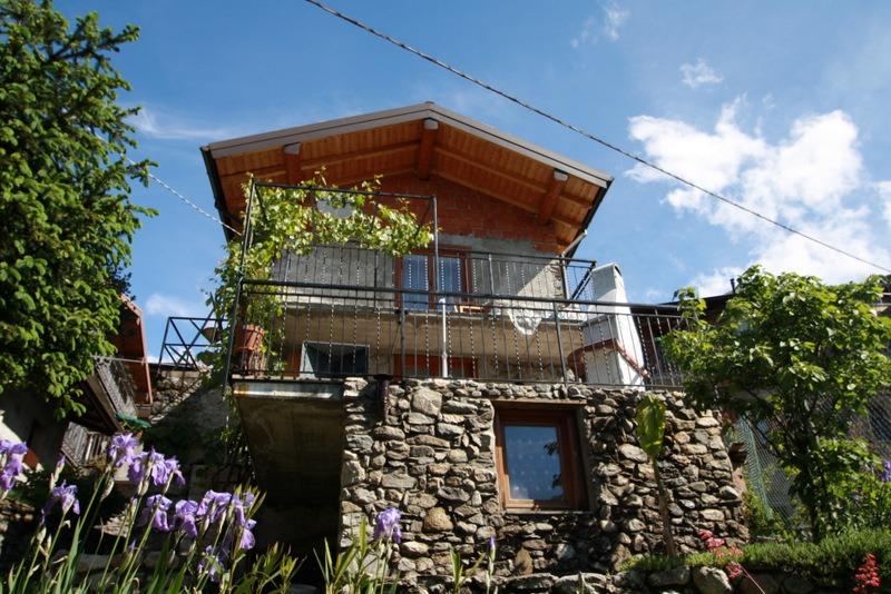 Lago Como Sorico Casa Indipendente con terrazzo soleggiato