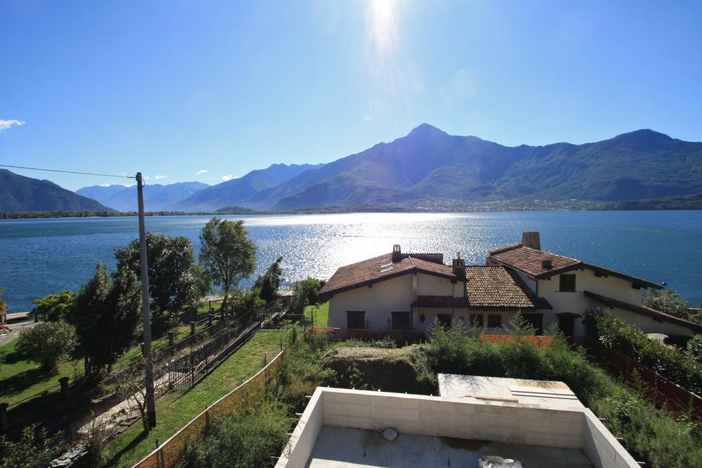 Lago Como Gera Lario Residence con Piscina