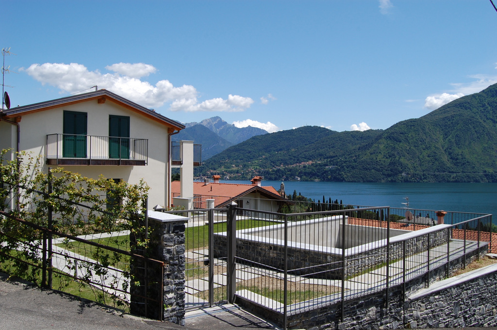 Appartamento in Residence con piscina  Tremezzo
