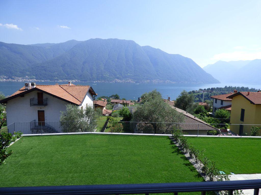 Lago Como Ossuccio Appartamenti Vista Lago con Piscina