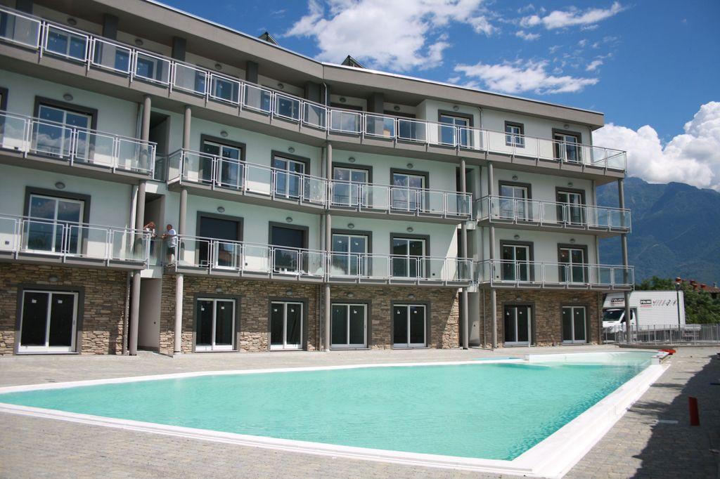 Appartamento Domaso Residence con Piscina e Garage