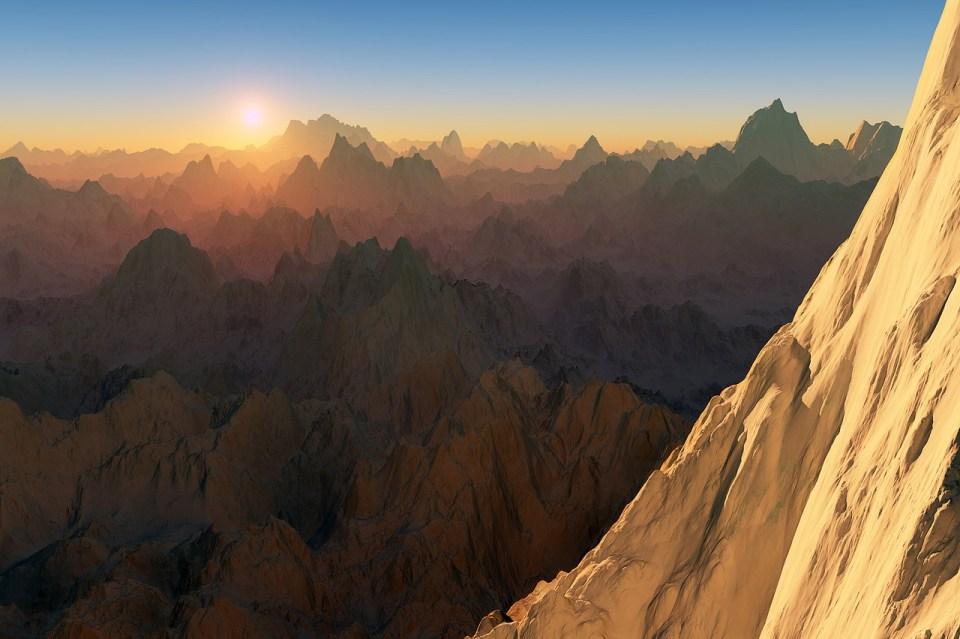 Foto di un'alba sui monti