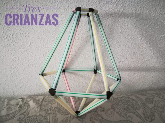 lámpara de pajitas