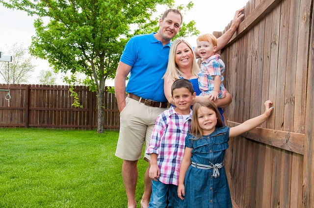 family 3283949 640 - Beneficios para las familias numerosas. Existen o son como los Reyes Magos?