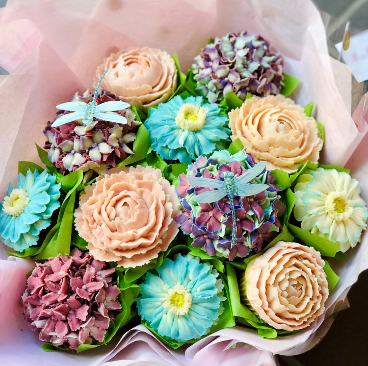 Large Cupcake Flower Bouquet