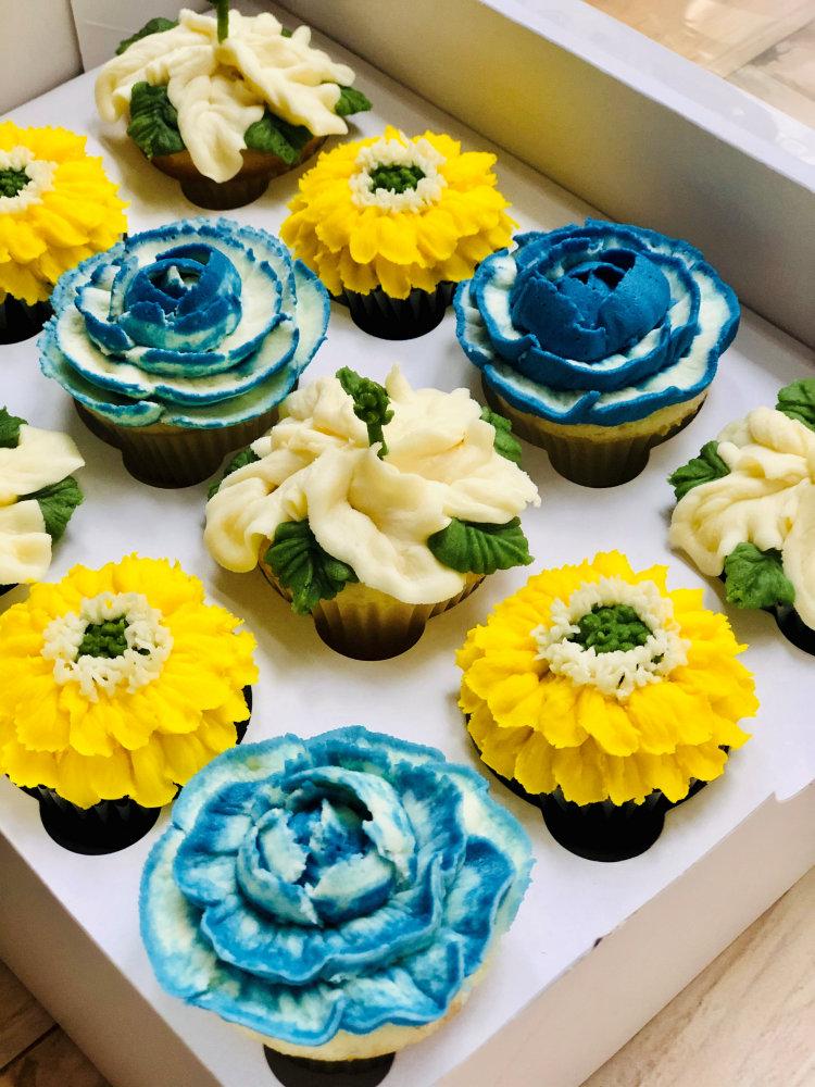 blue and yellow floral cupcakes pennsylvnia