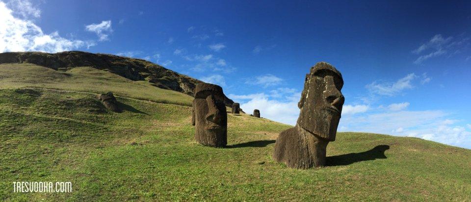 Moai blue
