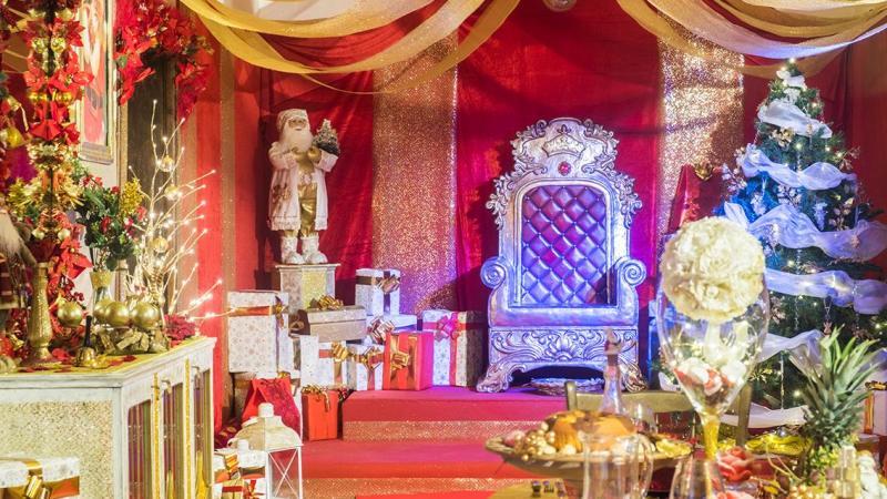 La casa di Babbo Natale nel villaggio incantato a Gaeta