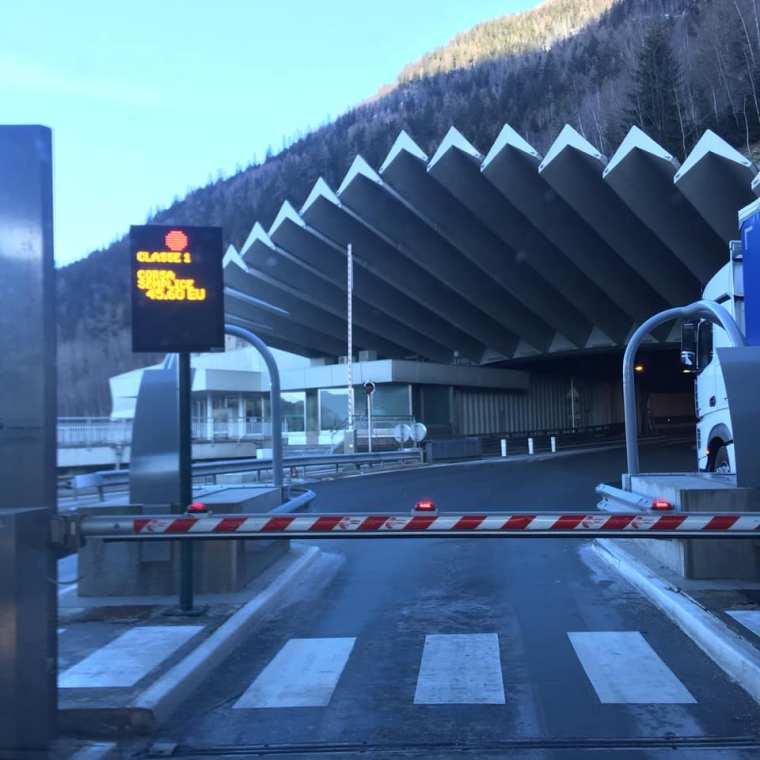 Traforo del monte Bianco, viaggiare on the road, viaggio con bambini, trevaligie