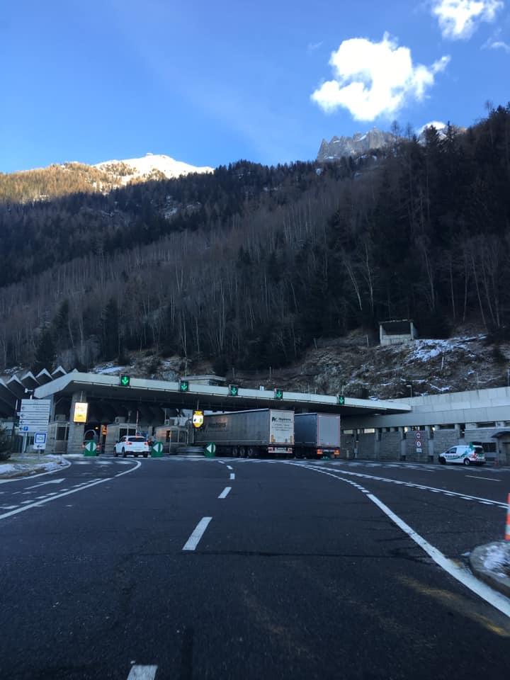 Traforo del monte bianco. viaggiare on the road, viaggio con bambini, trevaligie
