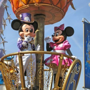 Disneyland paris, parate disney, spettacoli disneyland, trevaligie