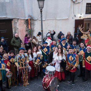 Lo sciuscio gaetano. Folklore nel borgo di Gaeta per la notte di San Silvestro.