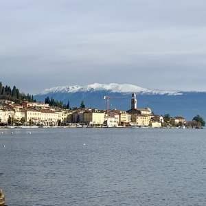 Salò. Passeggiata stupenda sulle rive del lago di Garda.