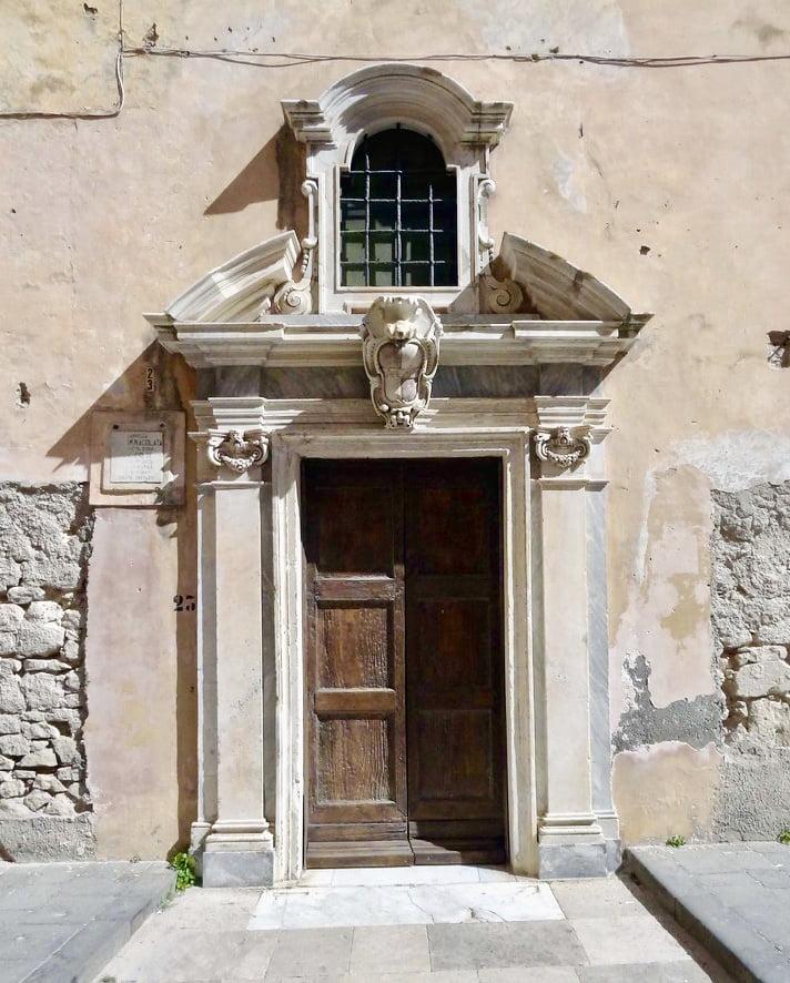 Cosa vedere a Gaeta, la cappella d'oro, la chiesa dell'annunziata a Gaeta, trevaligie
