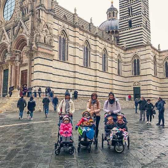 Siena è bella in qualunque stagione. Anche con la pioggia non ci siamo scoraggiati e siamo andati alla scoperta dei luoghi più interessanti, da vedere anche con i bambini