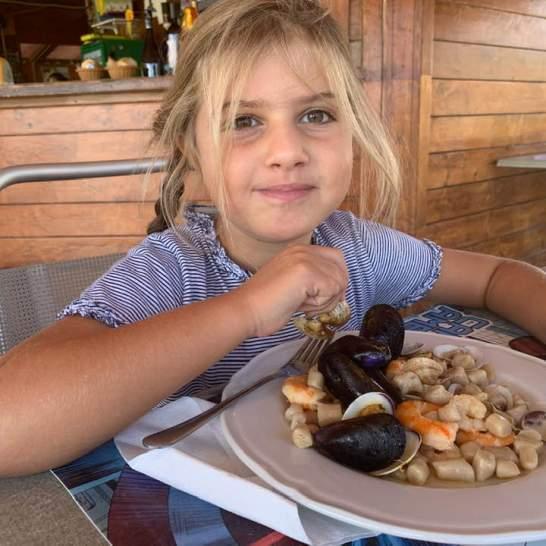 Dopo aver giocato sulla sabbia sotto il sole, i bambini hanno gradito assaggiare gli gnocchetti con i frutti di mare. Deliziosi!