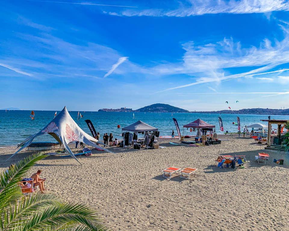 La Scuola SUP del Grand Hotel Le Rocce ospite del WIn For Fun Festival di Vindicio, organizzato dal Circolo Windsurf Formia.