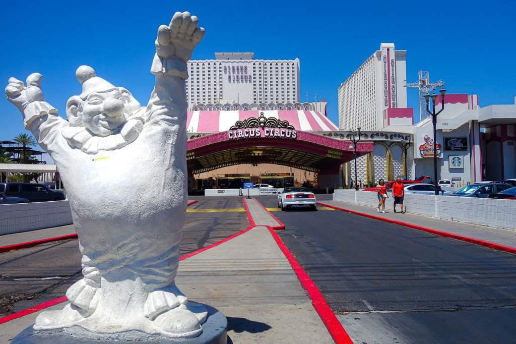 Il Circus Circus è uno degli hotel di Las Vegas più adatto alle famiglie con bambini. Inoltre le attrazioni interne al resort sono accessibili anche per gli esterni.
