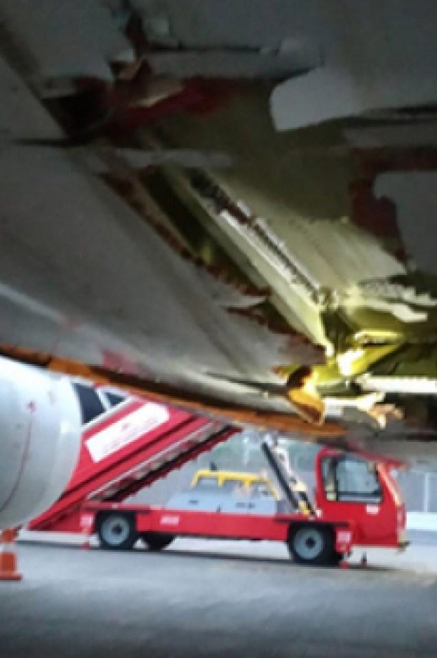 Boeing 737 се вряза в тухлена стена, но продължи полета си, пътниците ужасени и бесни (СНИМКИ)