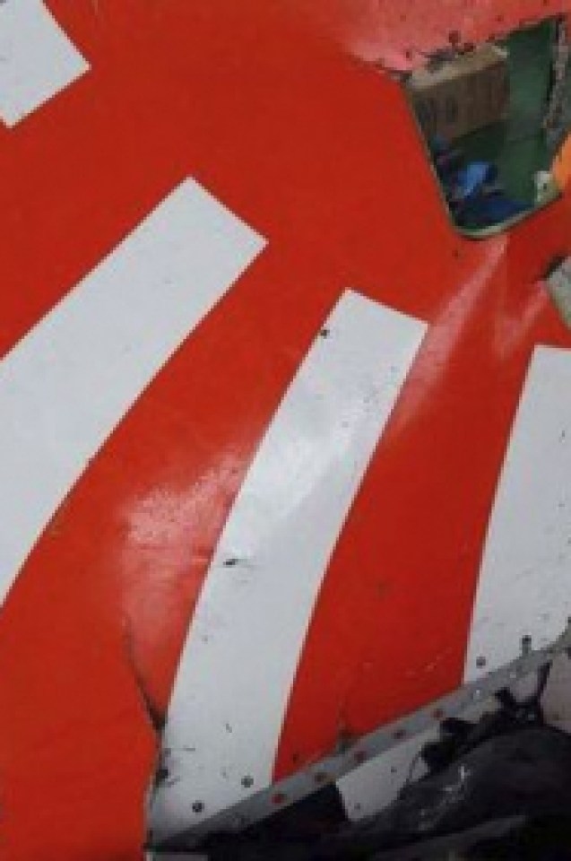 Появиха се СНИМКИ от борда на рухващия Boeing-737 MAX 8 и скандални разкрития за пилотите от Lion Air
