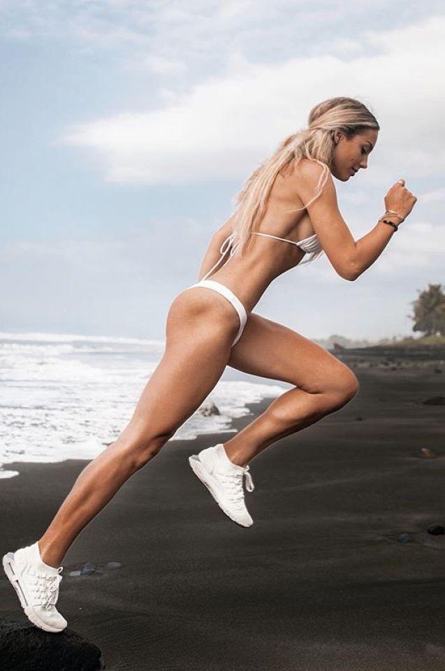 Тази красавица можеше да стане звезда в спорта, но... (СНИМКИ)