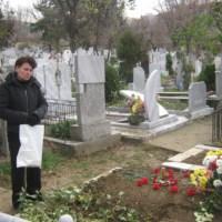 Тежко минало: Изчаках любовницата на мъжа ми да пукне, след това изпих чаша шампанско на гроба ѝ