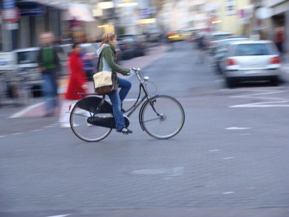 Cyclist-Cologne-475