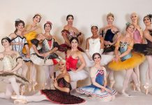 Les Ballets rebels-on-pointe-Trockadero-de-Monte-Carlo-squad