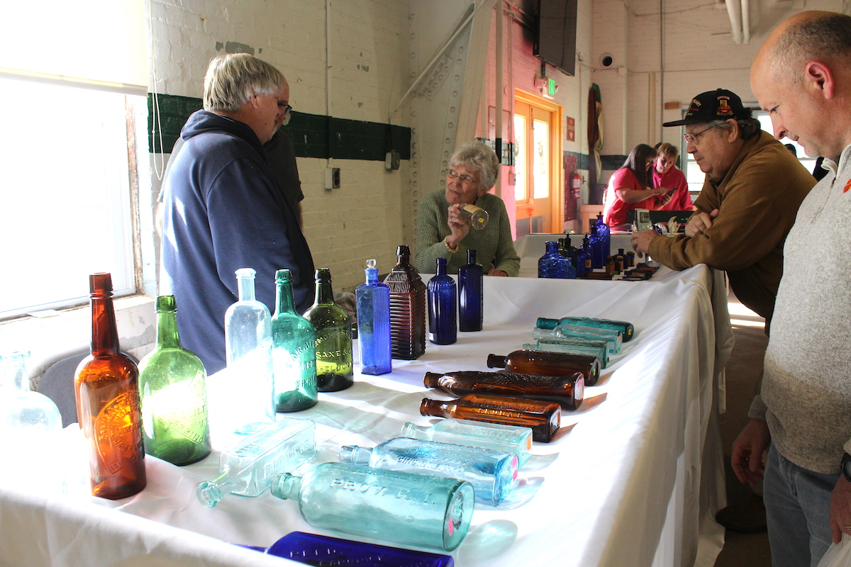 From poison to pop: Antique bottle show boasts historical glass pieces