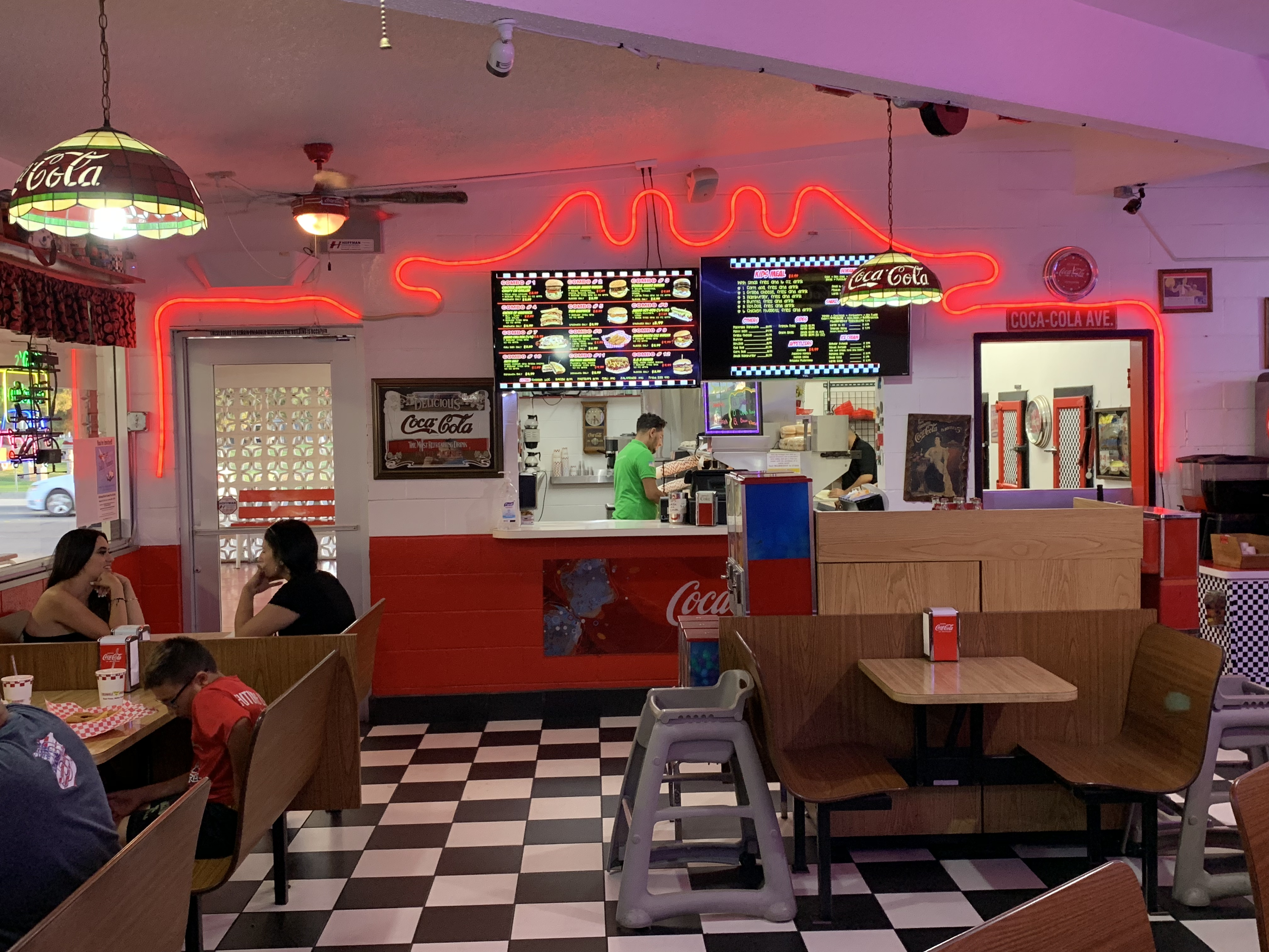 Triangle Drive In Belmont - Good Times Better Burgers