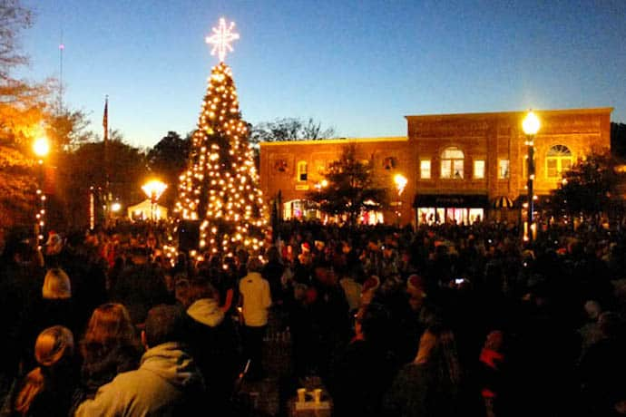 Parades Johnston County Nc Christmas Parade 2021 Christmas On Salem Street In Apex 2019 Carriage Rides Tree Lighting Parade More Triangle On The Cheap
