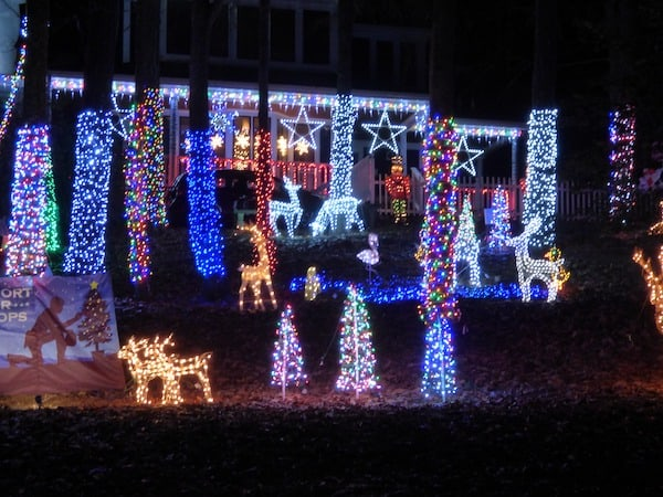14 Christmas Light Displays You Don T Want To Miss In The