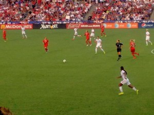 USWNT_vs_Switzerland_midfield_action