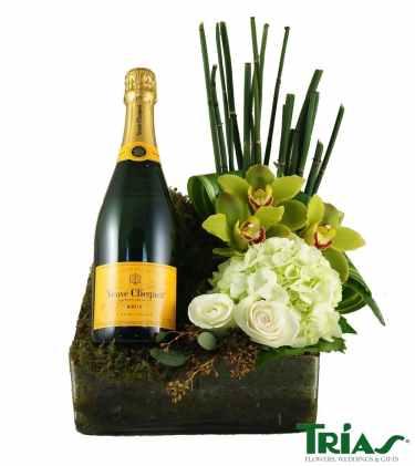 veuve clicquot champagne flowers