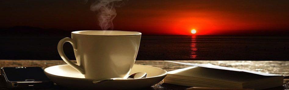 Café au coucher du soleil