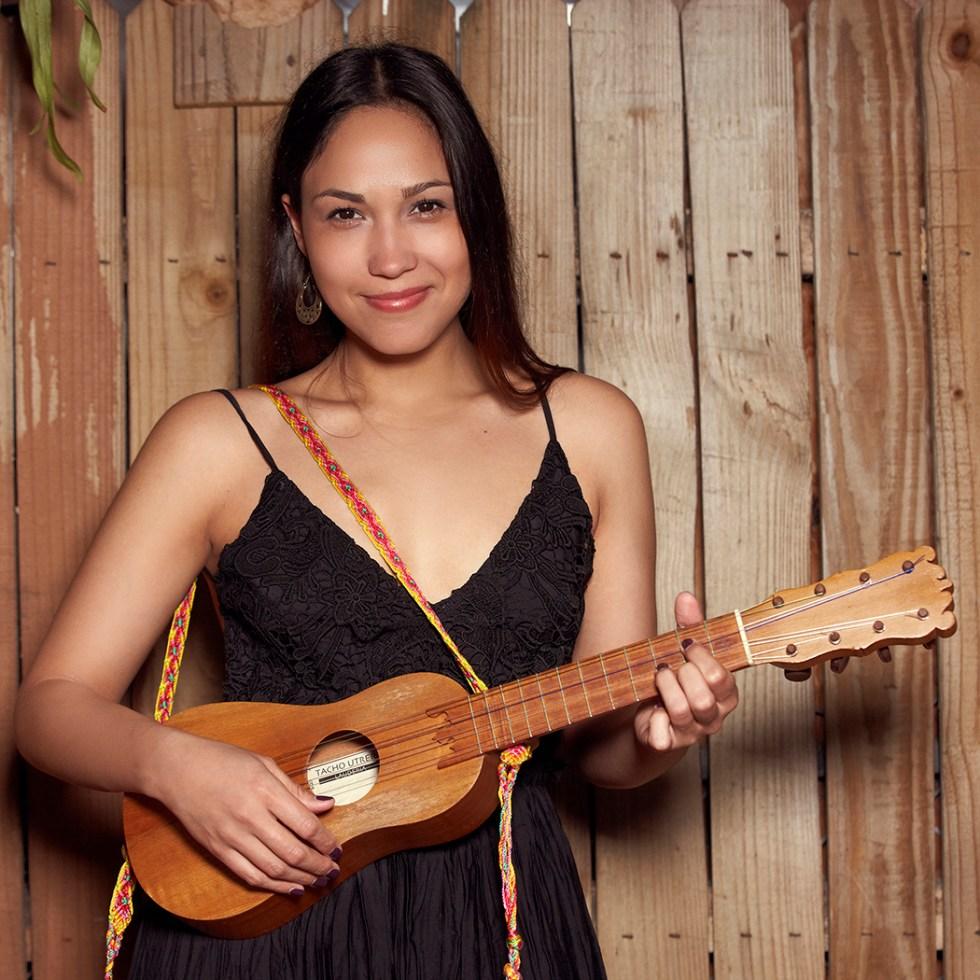 Sonia De Los Santos With Cumbia River Band