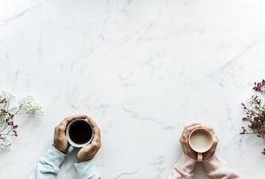 Discussion entre parents pour obtenir le soutien du conjoint pour apaiser la colère