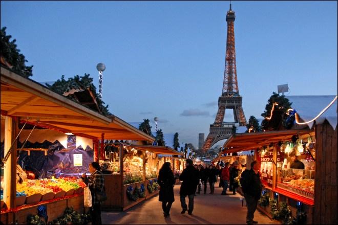 Le_marché_de_Noël_européen_au_Trocadéro_(Paris)_(4175210166)