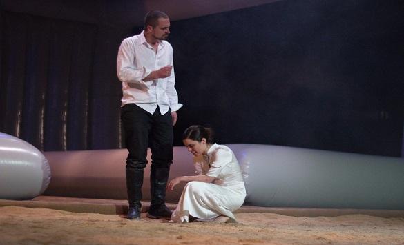 """Нина Николиќ: """"Отело"""" зборува за непрепознавањето на знаците на потенцијално насилство"""