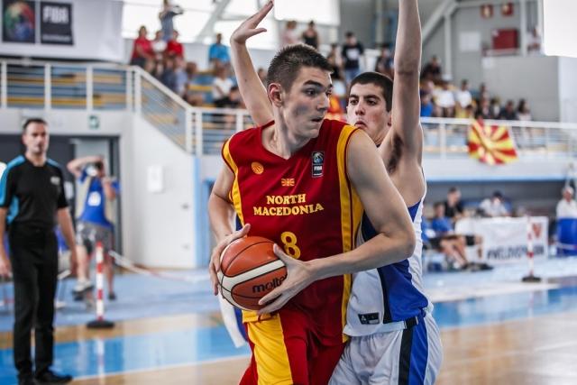 Шпанците збудалеа по Нашиот џин: македонецот Симиќ е новиот Арвидас Сабонис