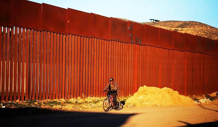 Stânga, Zidul, și … Adevărul – scopul ascuns al minciunilor și împotrivirii feroce