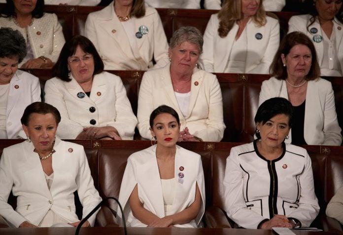 Femeile democrate rămân stană de piatră când Congresul aclamă interzicerea avortului târziu (Video)