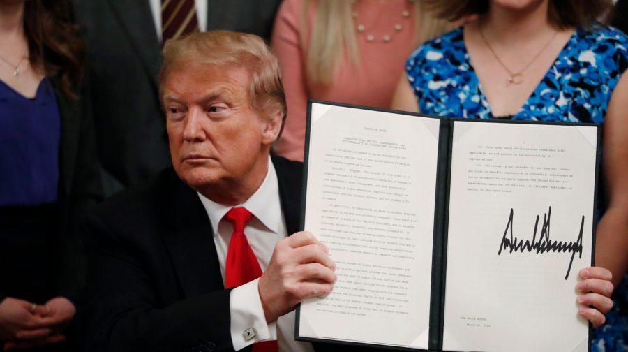 Trump semnează un ordin executiv pentru promovarea libertății de exprimare în campusurile universitare