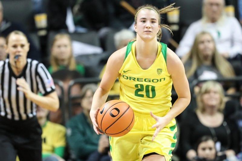 Sabrina Ionescu, numită cea mai remarcabilă jucătoare universitară de baschet din Statele Unite