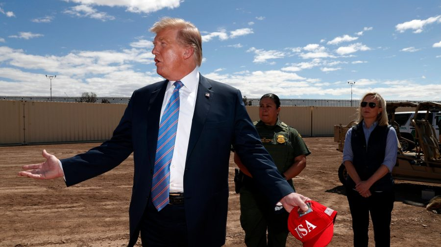 Donald Trump: Statele Unite nu mai au capacitatea de a primi migranţi