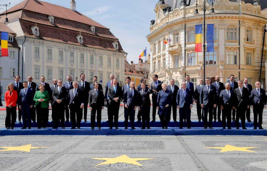 """Sibiul în ziua Summitului – un """"Revelion"""" în stil european, cu stelele de pe steagul UE în loc de artificii"""