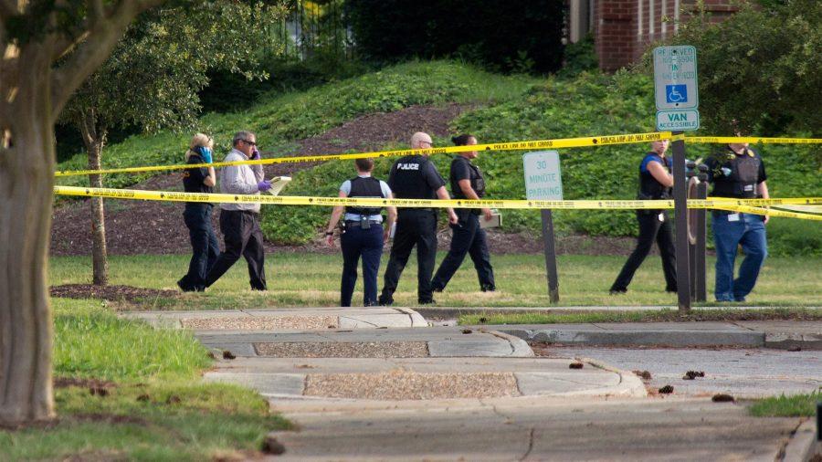 Cel puțin 12 persoane ucise într-un atac armat în Virginia Beach