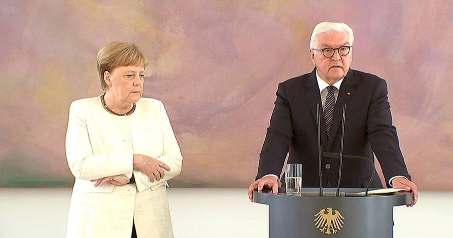 Germania: Pentru a doua oară în această lună, Angela Merkel a fost văzută tremurând la o întâlnire oficială