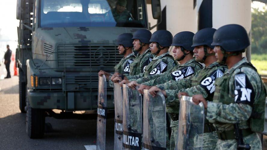 Mexic: 15.000 de poliţişti şi militari, la frontiera cu SUA pentru a-i bloca pe migranţi