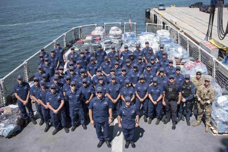 Garda de Coastă a capturat 13 tone de cocaină în mai multe operaţiuni navale